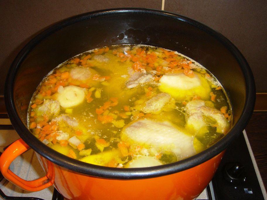 Supa de pui cu galuste