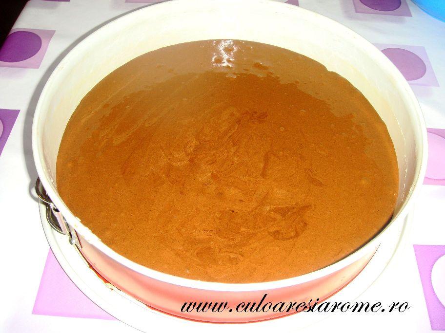 Tort cu mascarpone si capsuni