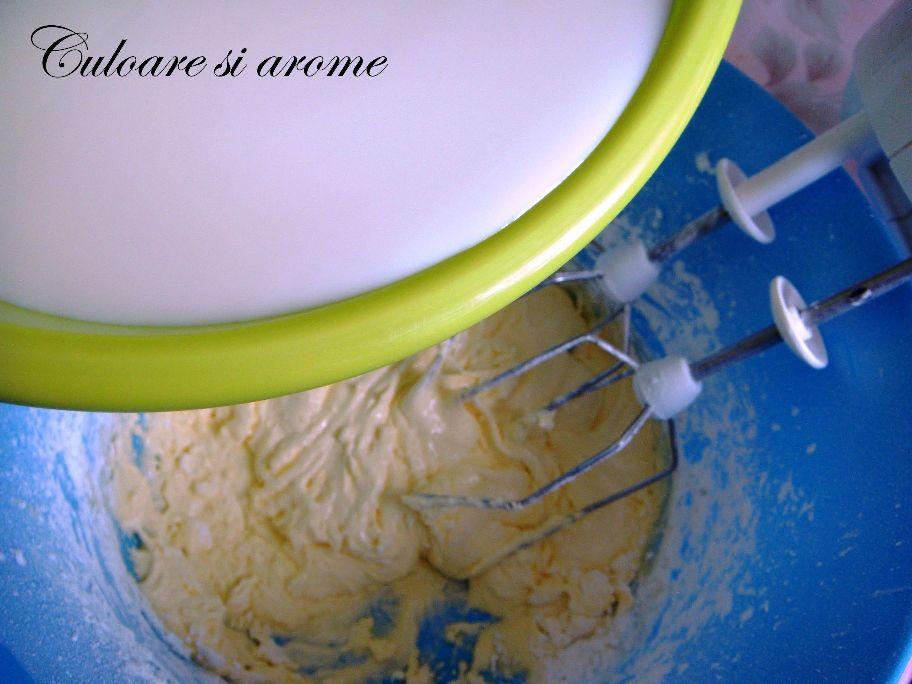 Tort cu crema de afine