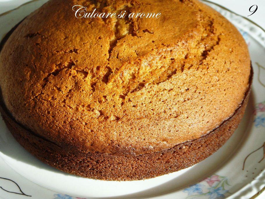 Tort cu blat de turta dulce si crema de branza