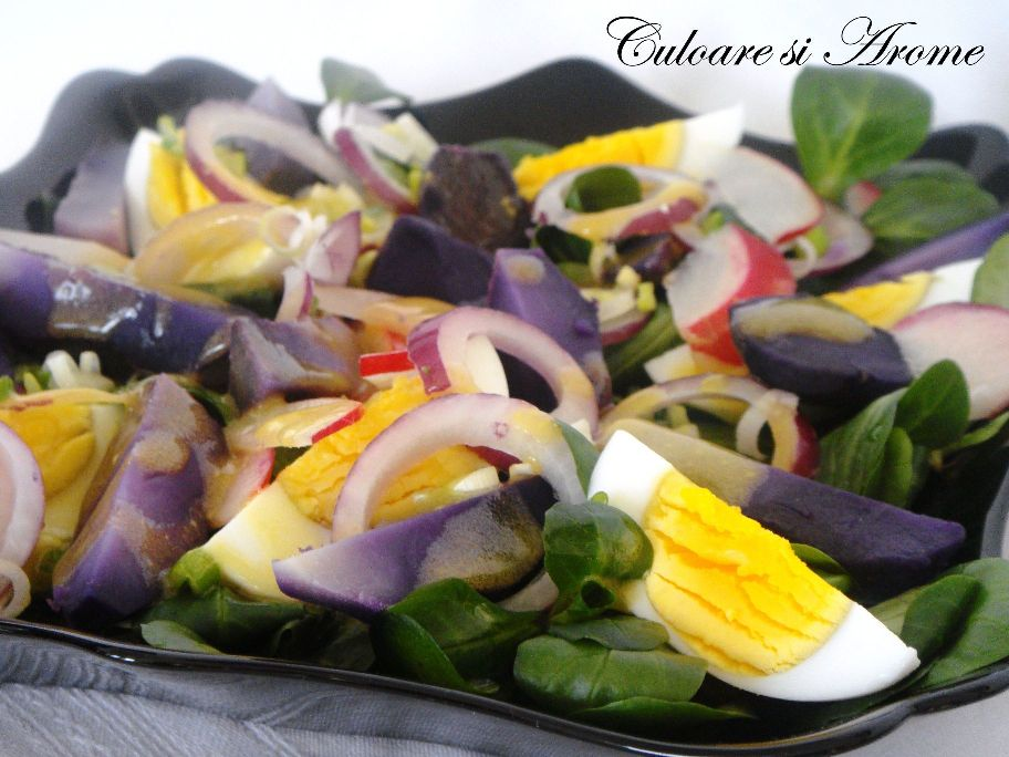 Salata de cartofi mov cu dressing de mustar si miere