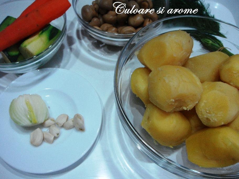 Chiftele de cartofi, ciuperci, morcovi si dovlecei zucchini