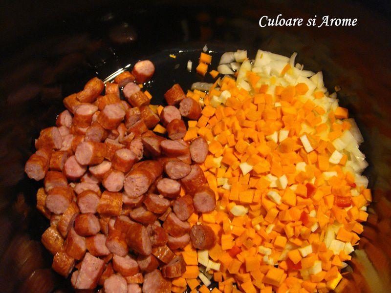 Ciorba cu carnati afumati