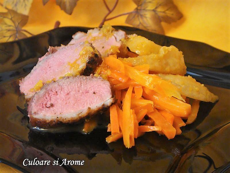 Piept de rata cu morcovi caramelizati si sos de portocale